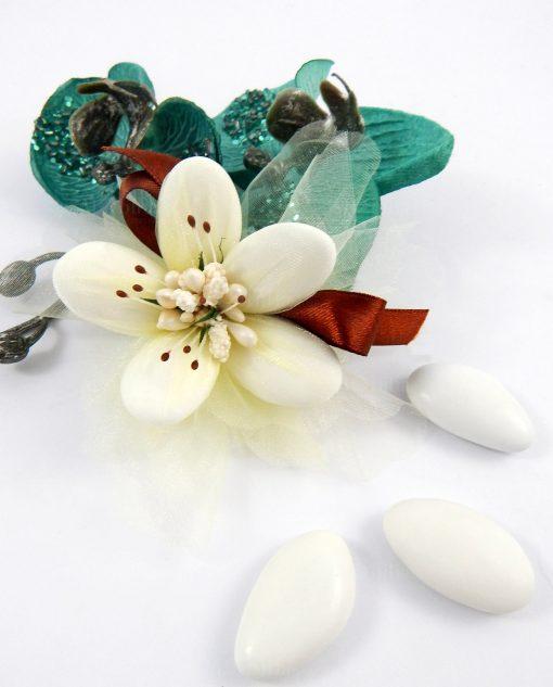 fiore di confetti di sulmona panna con pistilli tortora