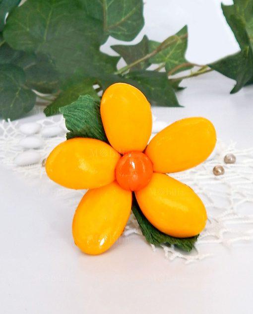 fiore di confetti gialli con stelo sulmona