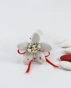 fiore di sulmona bianco con decori e nastro rossi