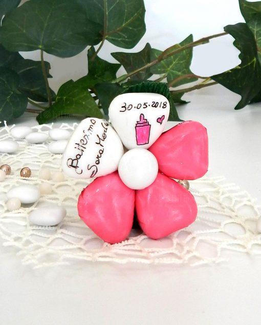 fiore di sulmona con stelo personalizzato per battesimo