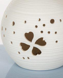 lampada led in porcellana con quadrifoglio traforato cuorematto