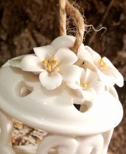 lanterna portacandela da appendere in porcellana con fiori per bomboniere