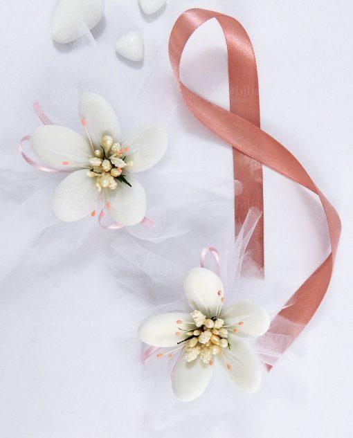 nuvoletta bianca con pistilli rosa confetti di sulmona