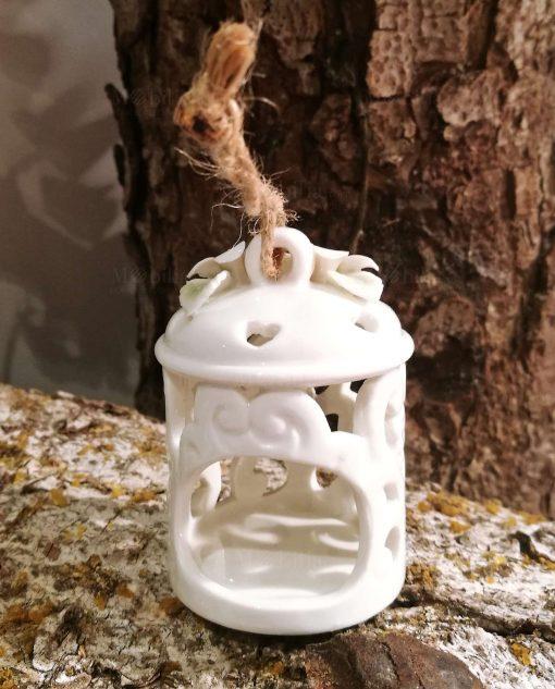 portacandele in porcellana bianca intagliata con fiori