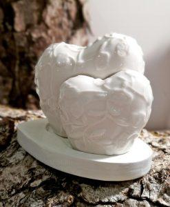 sale e pepe in porcellana bianca decorata con supporto