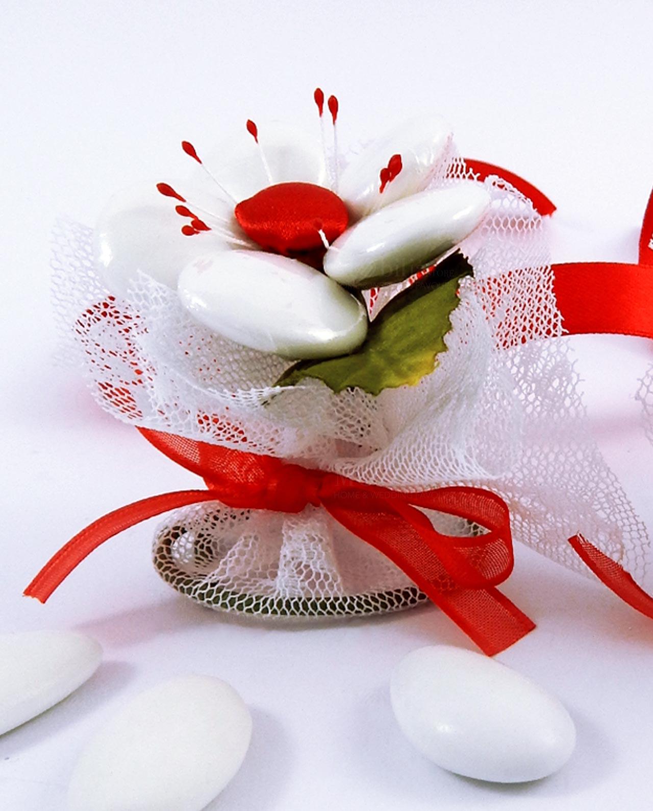 Segnaposto fiore rosso fatto a mano con confetti di ...