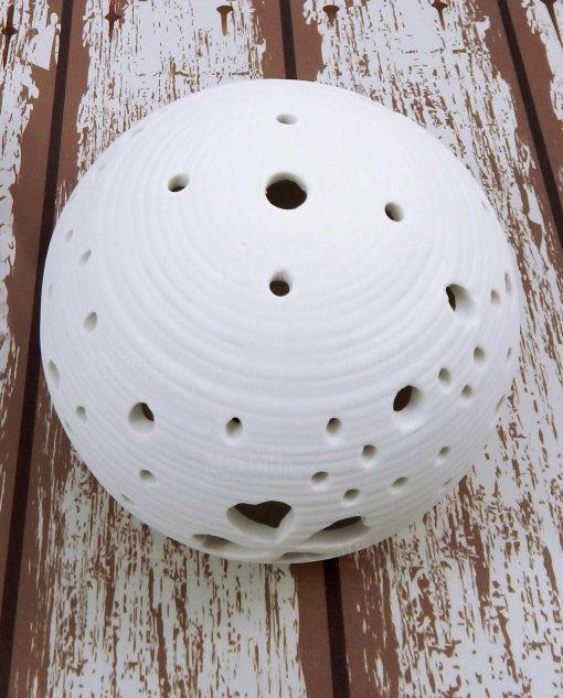 sfera a led in porcellana bianca con cuori e quadrifoglio cuorematto