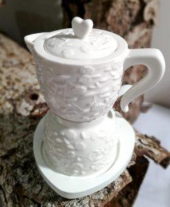 zuccheriera e lattiera a forma di caffettiera in porcellana bianca