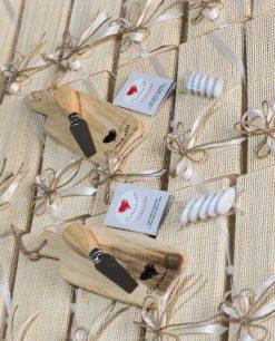 bomboniera tagliere legno con coltello formaggio cuorematto