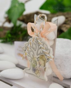 Appendino resina albero con bimba e calice su tubicino con confetti e nastro