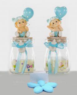 bomboniera barattolo vetro con bimbo e palloncino azzurro confezionato con confetti