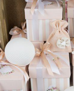 bomboniera lampada sfera led con scatola a righe e sacchetto rosa