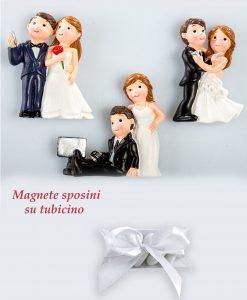 bomboniera magnete sposini su tubicino con confetti