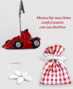 bomboniera memoclip macchina rossa con sacchettino a scacchi rosso