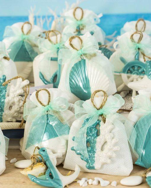 bomboniera pendente bianco e tiffany tema mare linea summer ad emozioni su sacchetto bianco con cordoncino