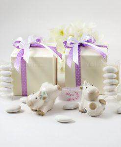 bomboniera sculturina unicorno varie forme con nastro lilla a pois e bianco