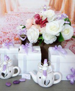 bomboniera teiera portacandele bianca con fiocchi lilla