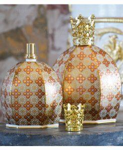 bottiglia diffusore catalitico porcellana decorata louis XIV collezione royal family baci milano