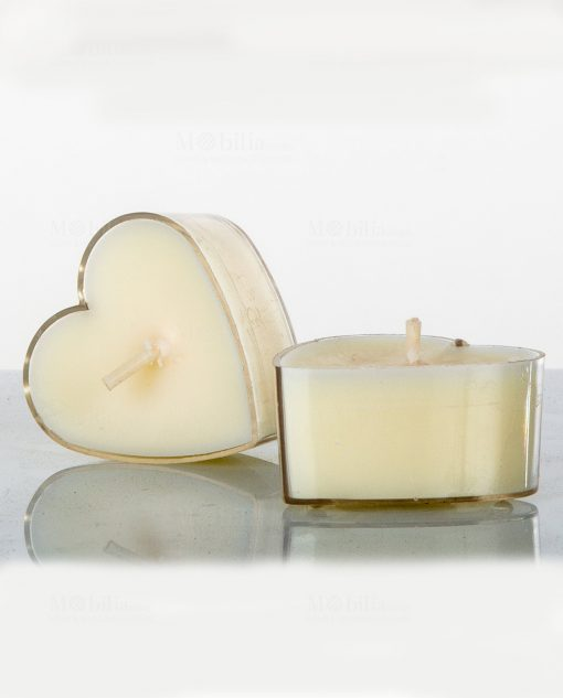 candela profumata a forma di cuore