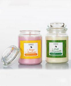 candela profumata con barattolo di vetro