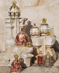 lampada catalitica porcellana decorata con corona oro e ricarica profumo royal family baci milano