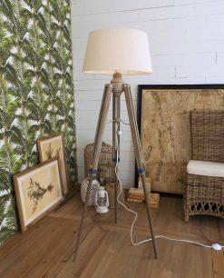 lampada da terra in legno