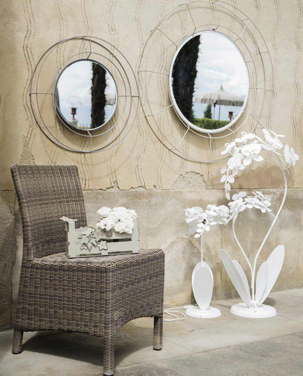 specchio rotondo minimal modello nudo grande e piccolo lampada da terra orchidea