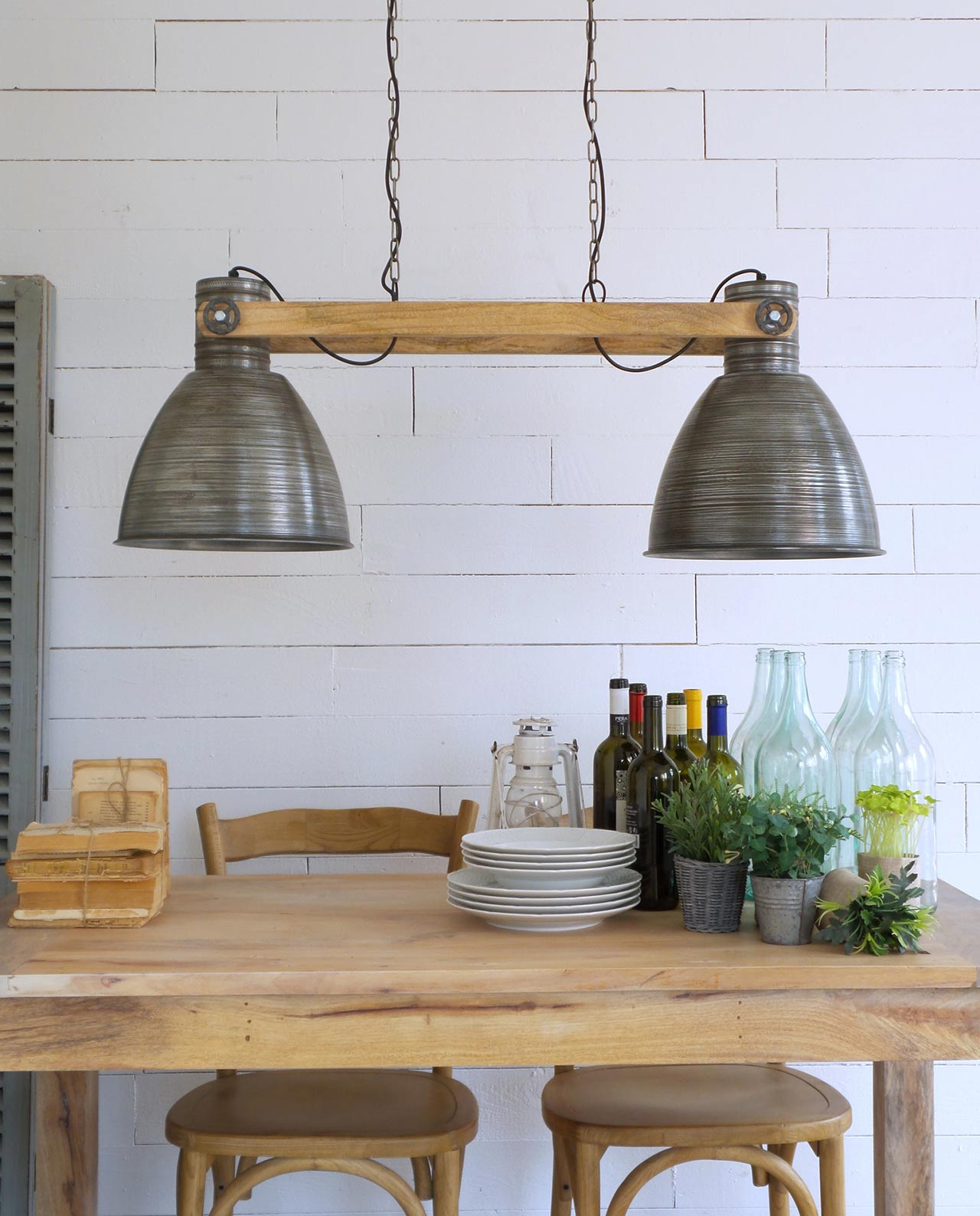Lampadario rettangolare industrial legno e metallo for Mobilia recensioni