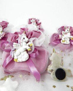 magnete unicorno rosa su sacchetto cotone a quadretti