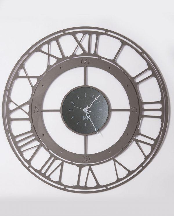 orologio con due quadranti e numeri romani colore fango arti e mestieri