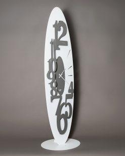 orologio da terra ovale con numeri grandi modello corel colore ardesia e bianco arti e mestieri
