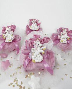 sacchettino a quadri bianco e rosa con magnete unicorno