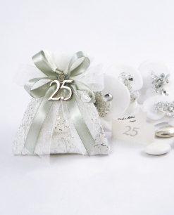 sacchettino con fili argento confezionato con 25 e fiocchi argento