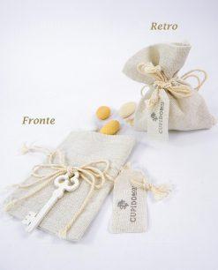 sacchetto portaconfetti avorio con chiave legno