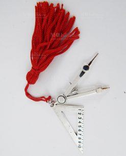 ciondolo strumenti ingegneria con nappina rossa 1