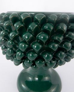 dettaglio portavaso pigna verde ceramica