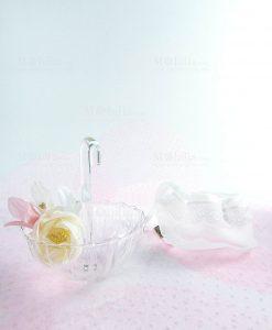 ombrellino portaconfetti vetro trasparente medio con fiiore e sacchetto bianco con pizzo linea ombrellini ad emozioni