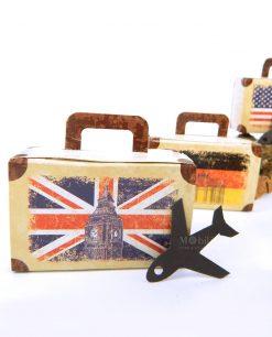 portaconfetti a forma di valigetta con bandiere 1
