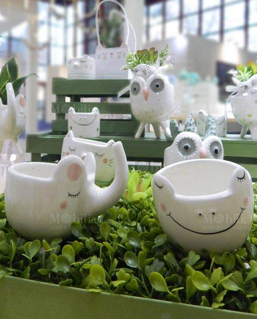 portapiantina porcellana animaletti assortiti su erba verde linea nature ad emozioni