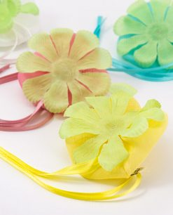 sacchettino portaconfetti giallo con petali linea trilly ad emozioni