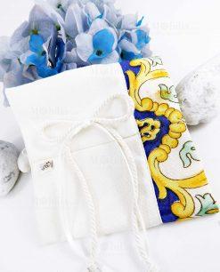 sacchetto mattonella con cordoncino foto del particolare linea i mori ad emozioni