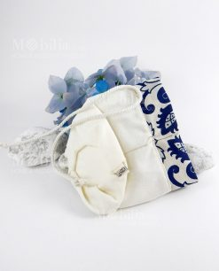 sacchetto mattonella con cordoncino particolare etichetta con logo linea i mori ad emozioni