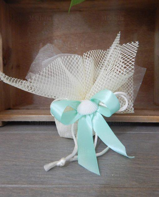 sacchetto rete e tulle panna con confetti nastro tiffany e conchiglia naturale