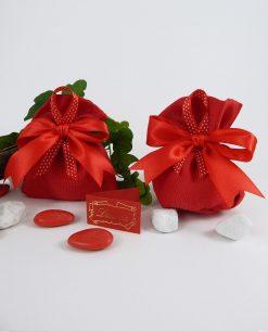 sacchetto rosso con nastrino trapuntato bianco