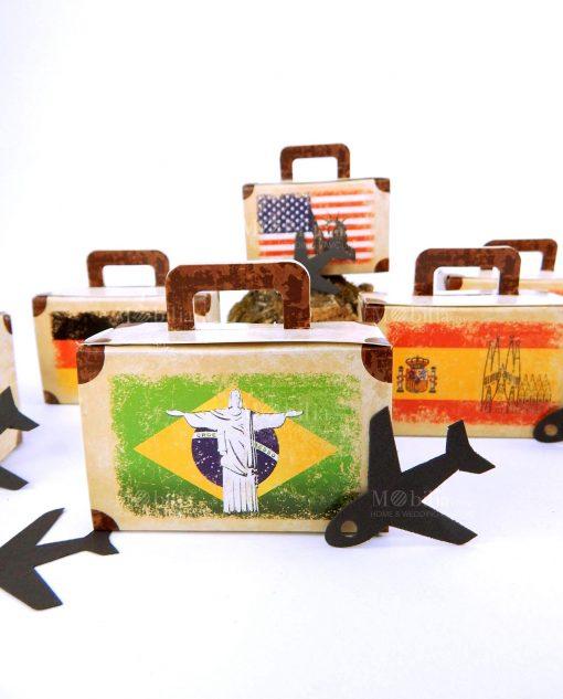 scatolina con applicazione aereo di cartoncino
