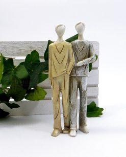 scultura coppia sposi lui e lui resina colorata
