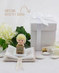 bimba su altare con sacchetto libro con scatola basic ad emozioni