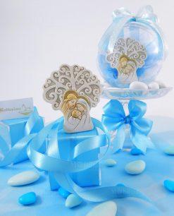 bomboniera albero della vita con sacra famiglia dentro sfera trasparente e fiocchi azzurri