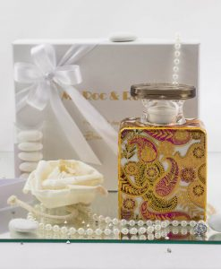 bomboniera bottiglia diffusore kate 225 ml con fiore baci milano con scatola e doppi fiocchi bianchi