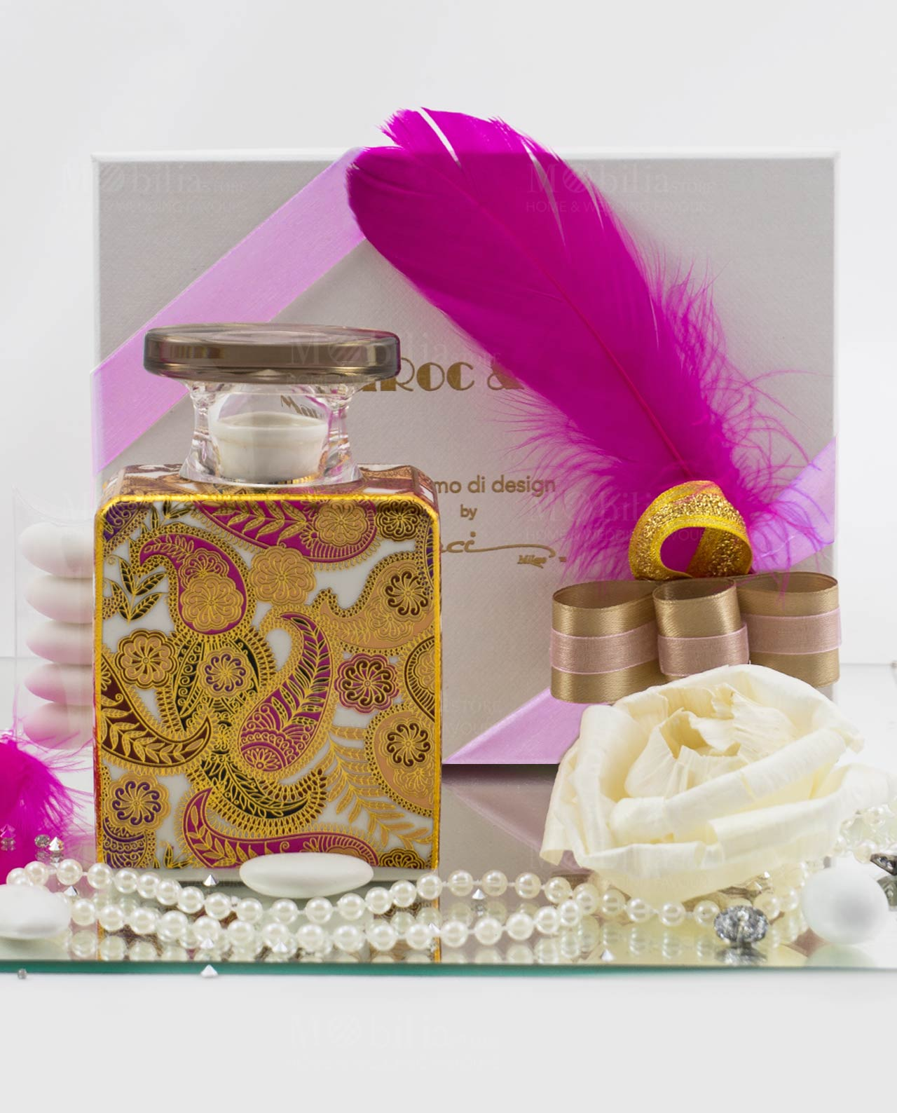 bomboniera profumatore kate con fiore 225 ml baci milano scatola con nastro tortora oro e piuma fuxia 1